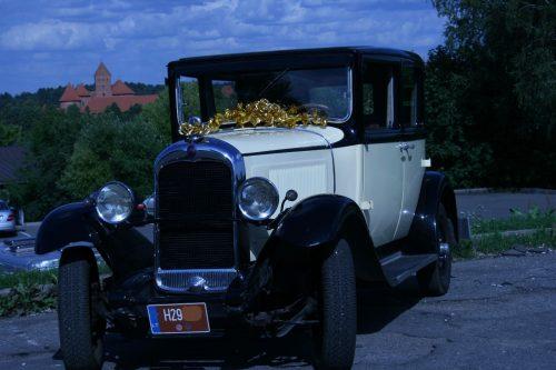 Senovino  autentiško 1929 m. automobilio Citroen AC4 nuoma šventėms ir fotosesijoms