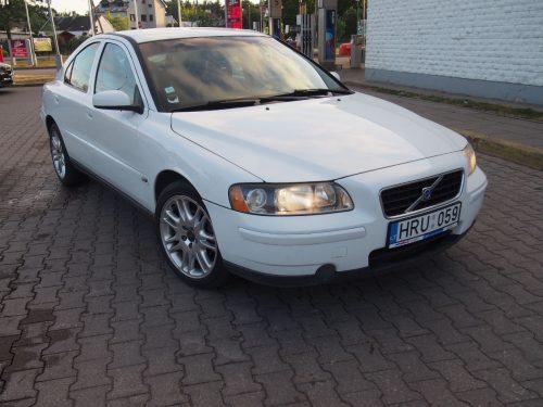 Volvo S60 2.4D Sedano nuoma
