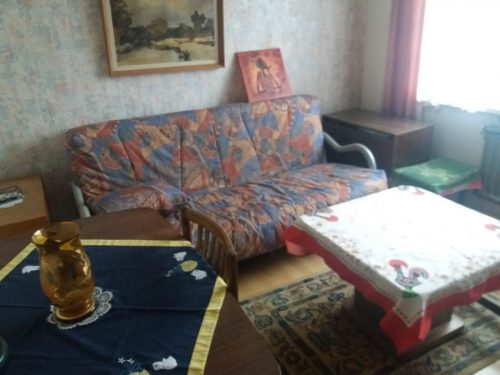 Nuomojamas gražus kambarys 4 kambarių bute